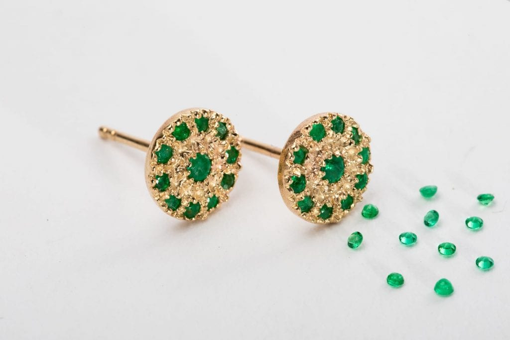 main noga earrings pic